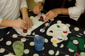 atelier gratuit copii martisoare pictate